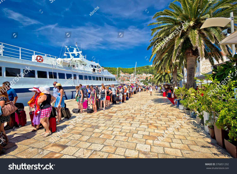 Hvar croatia august 25 2014 hvar island harbor tourist for Hvar tourismus