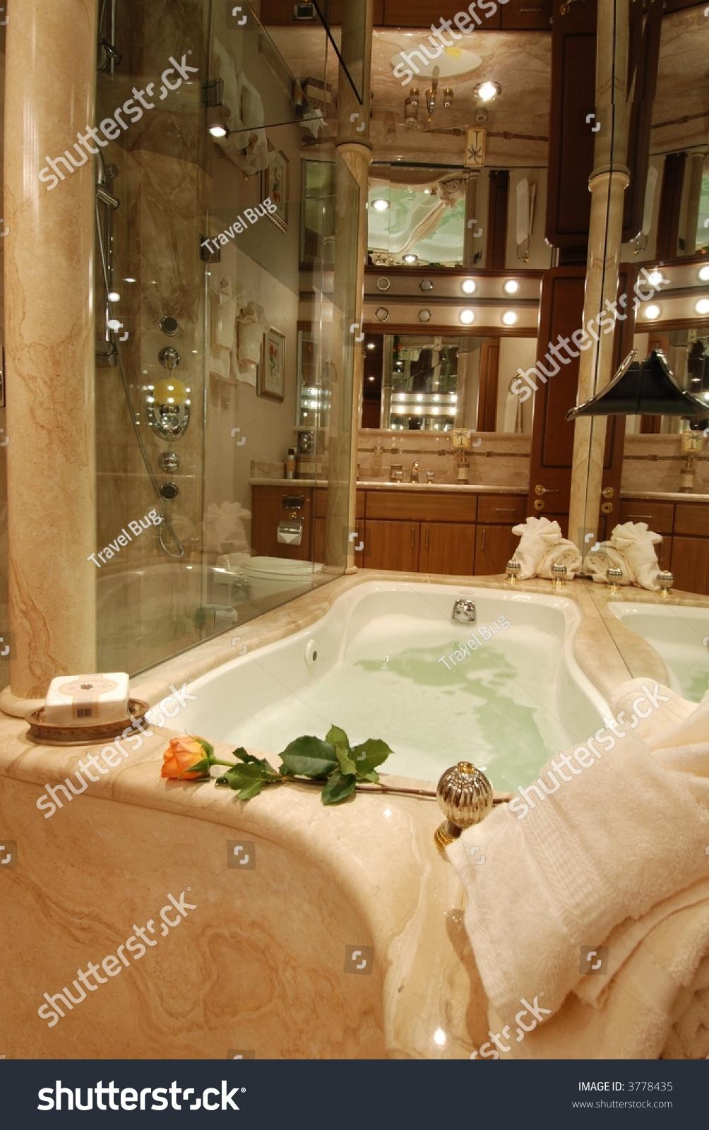 Luxury Yacht Bathroom Hot Tub