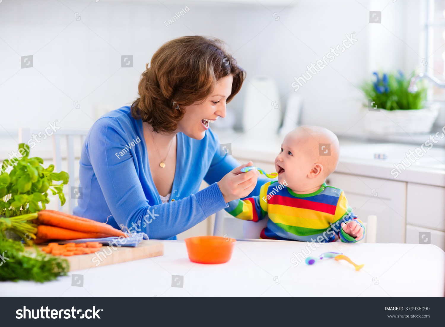 how to teach baby to eat solids