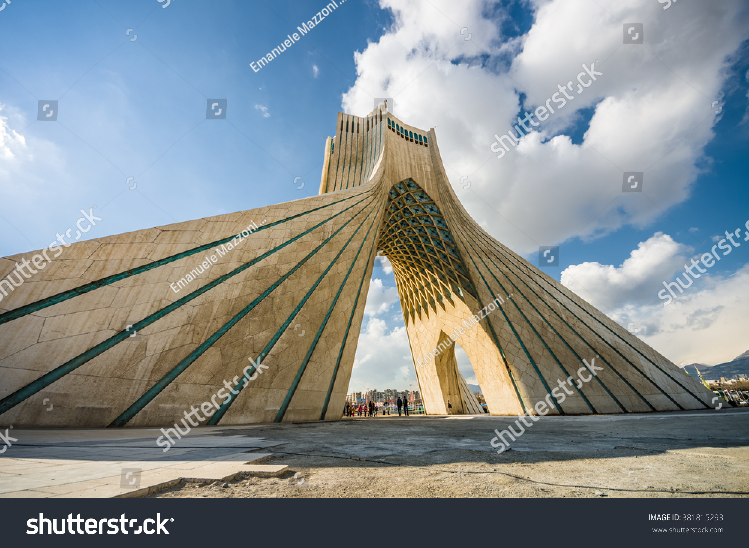 Teheran Iran February 2016 Azadi Tower Stock Photo 381815293 ...