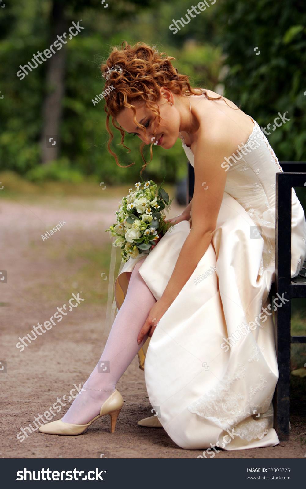 Фото невесты в чулках 1 фотография