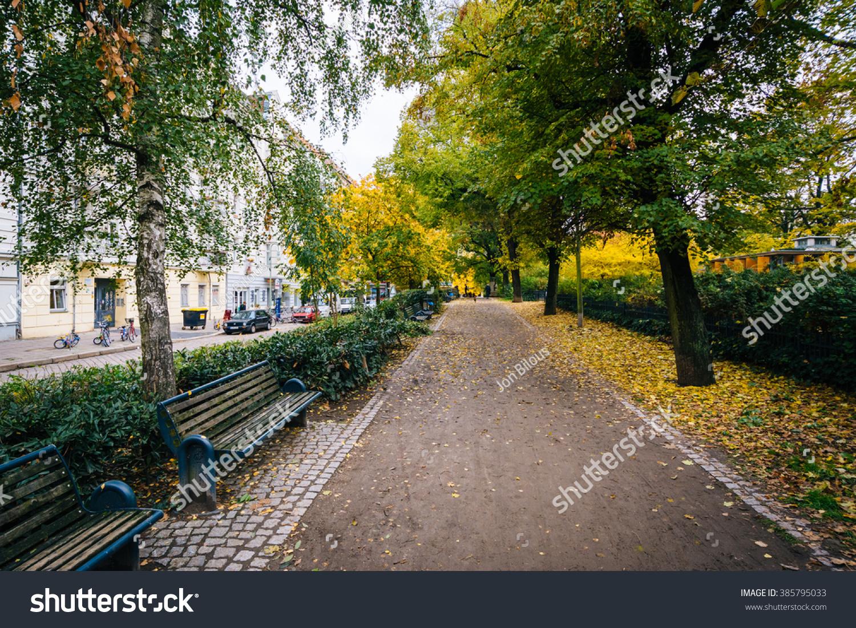 Walkway Autumn Color Helmholtzplatz Prenzlauer Berg Stock Photo