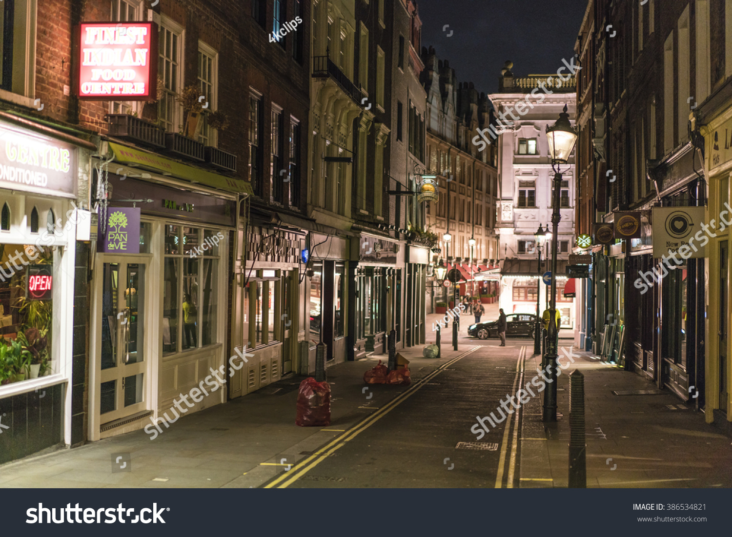 Narrow Land Covent Garden District LONDONENGLAND Stock Photo & Image ...