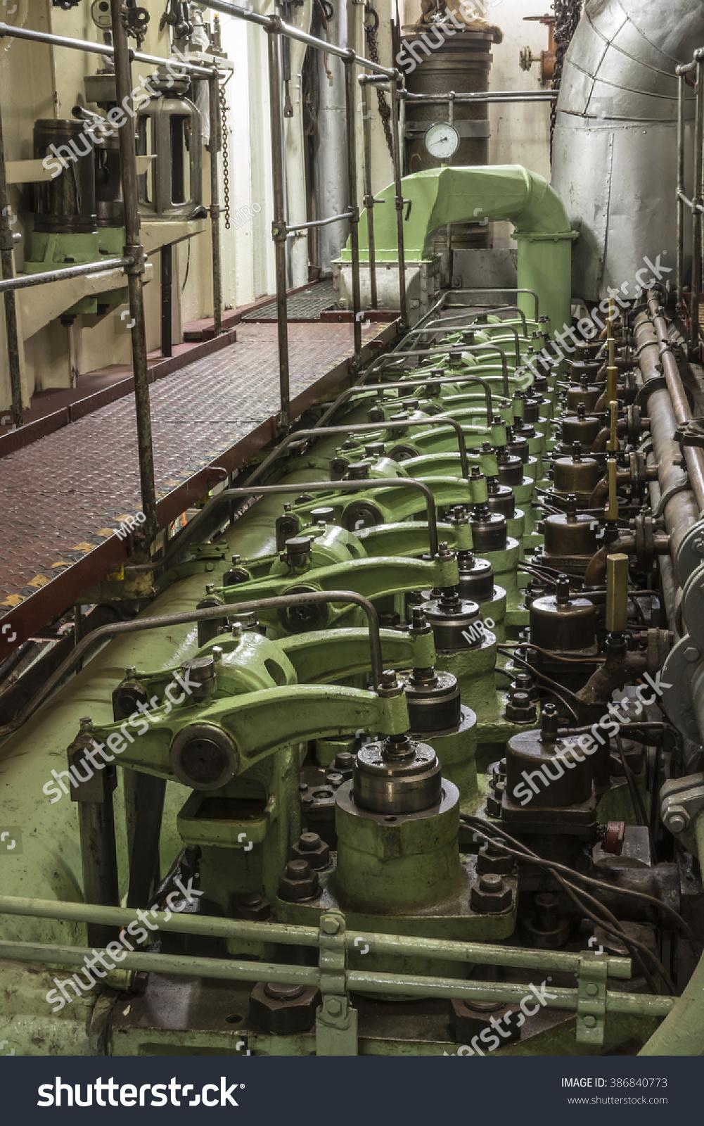 Battleship Engine Room: Ship Engine Room Stock Photo 386840773 : Shutterstock