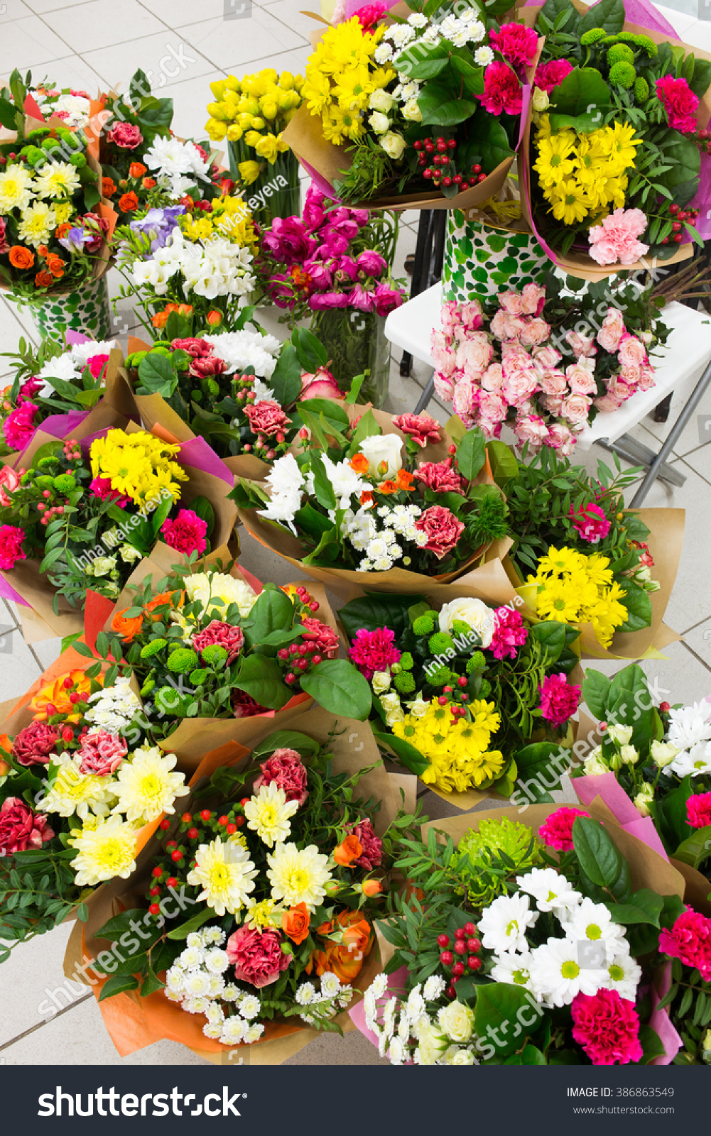 Flower Market Beautiful Fresh Flowers In Vases For Sale Ez Canvas