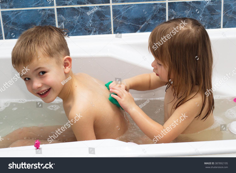 Трахает сын маму в ванной фото, в ванной с мамой - порно фото поиск 25 фотография