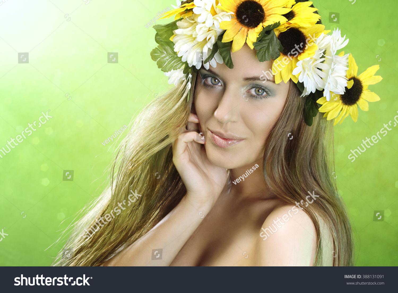 Beautiful woman with flower wreath ez canvas izmirmasajfo