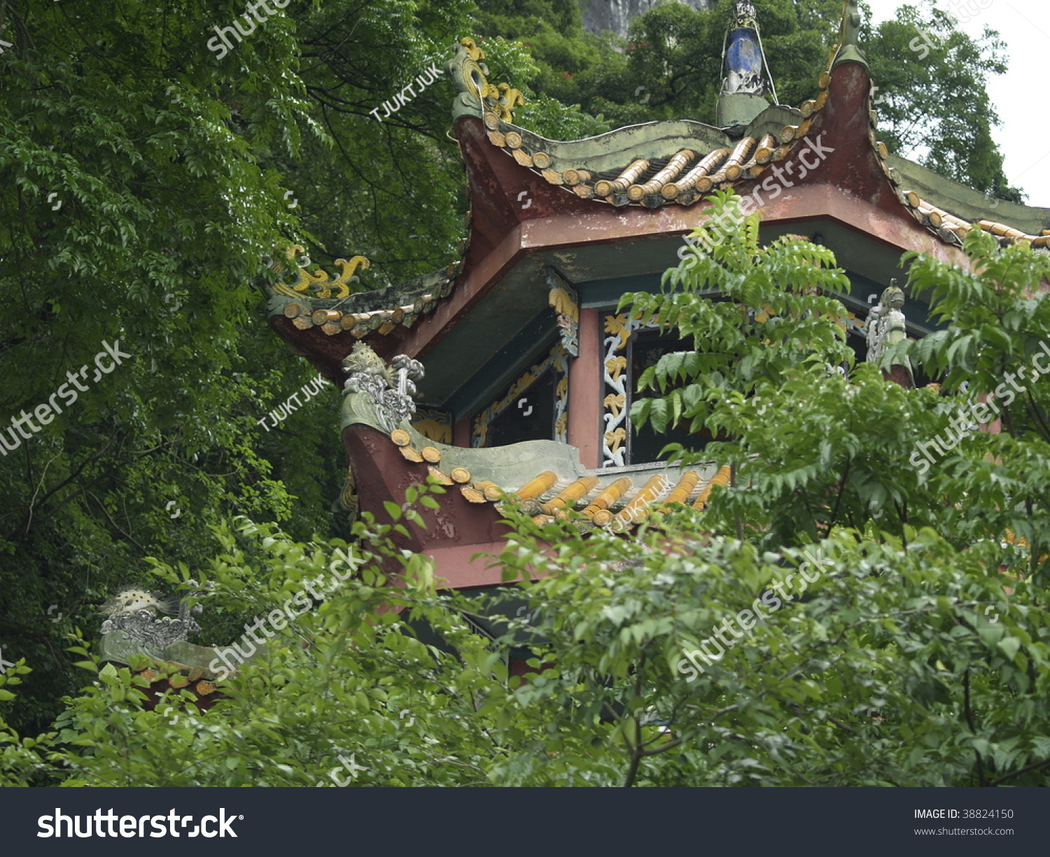 The Oriental Gazebo In Yangshuo County, China Stock Photo 38824150 ...
