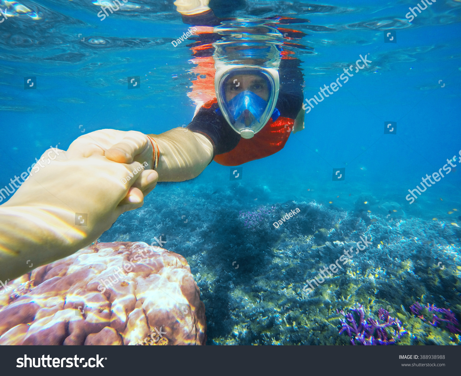 Snorkeling Couple Holding Hands Blue Ocean Stock Photo ...