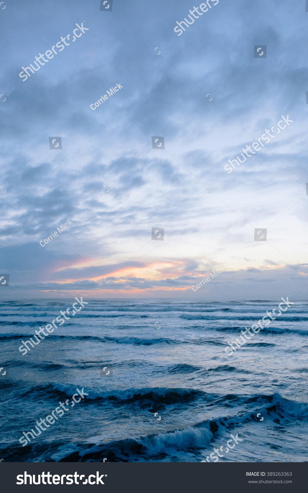 Pacific Ocean Waves Dusk Stock Photo 389263363 - Shutterstock Pacific Ocean Waves