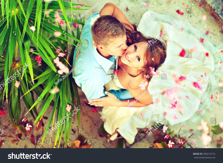 Wedding On Beach Young Beautiful Couple Stock Photo Edit Now 390215716