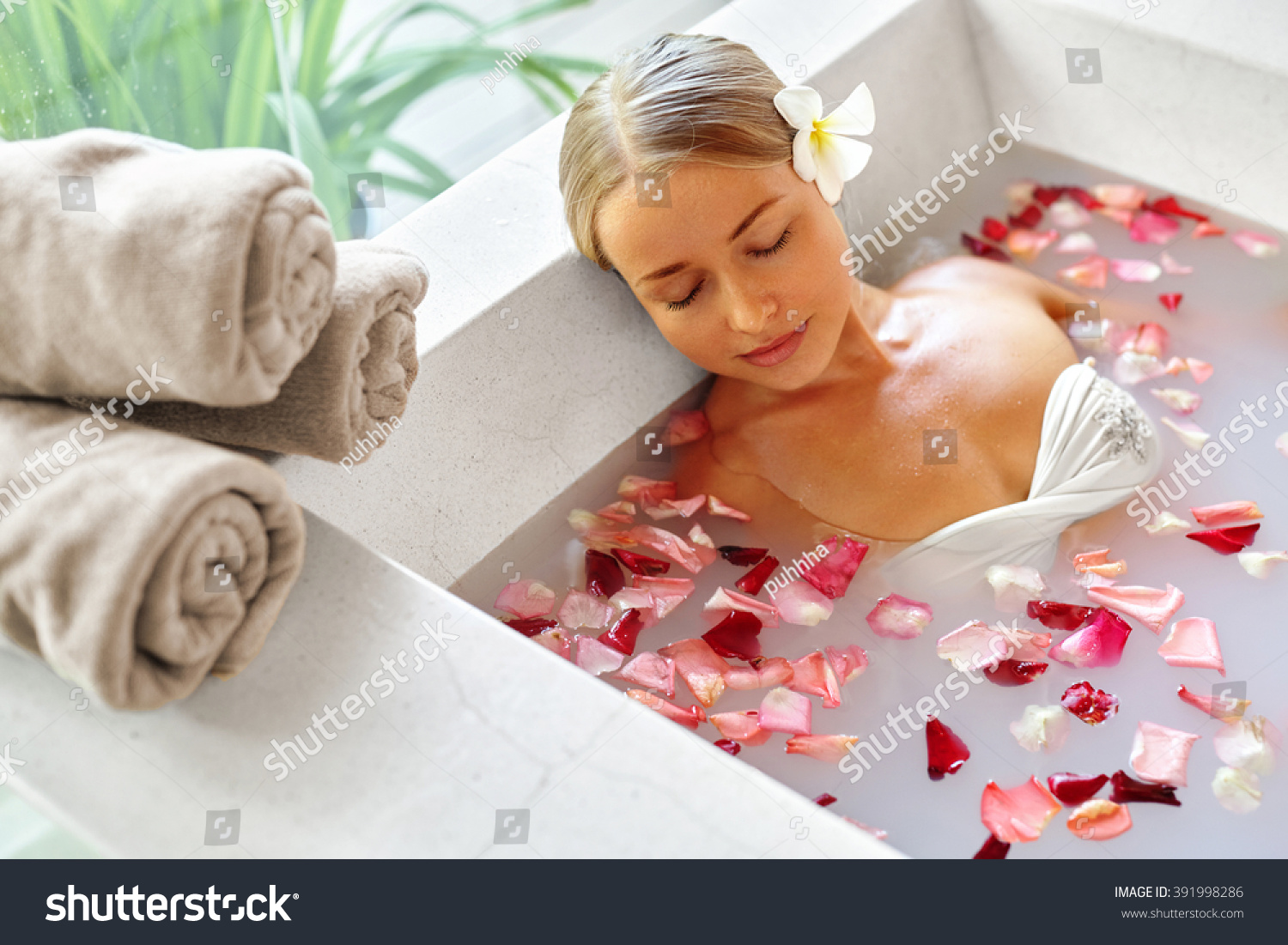 Day For Relaxation And Enjoying In Bath For Sexy Blonde