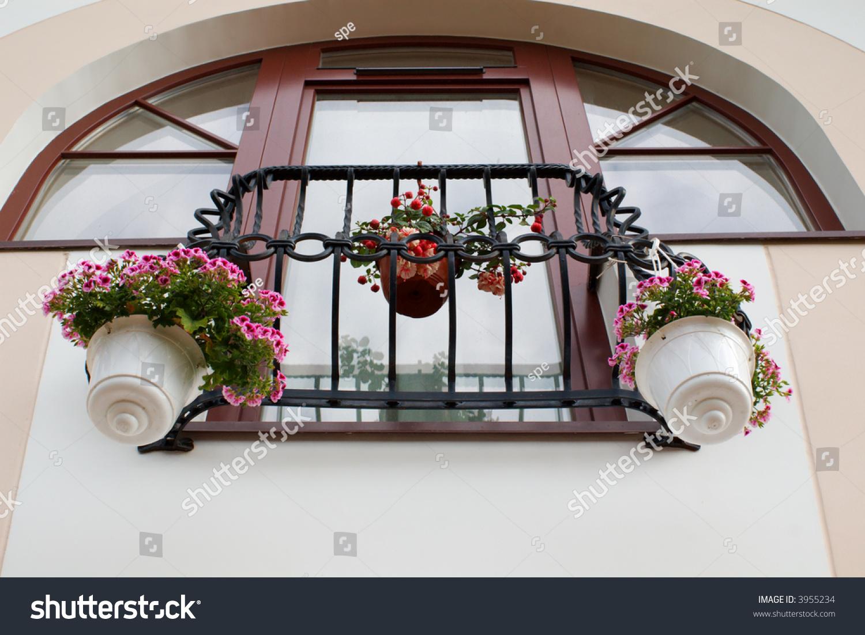 Французский балкон за немецкими пластиковыми окнами.