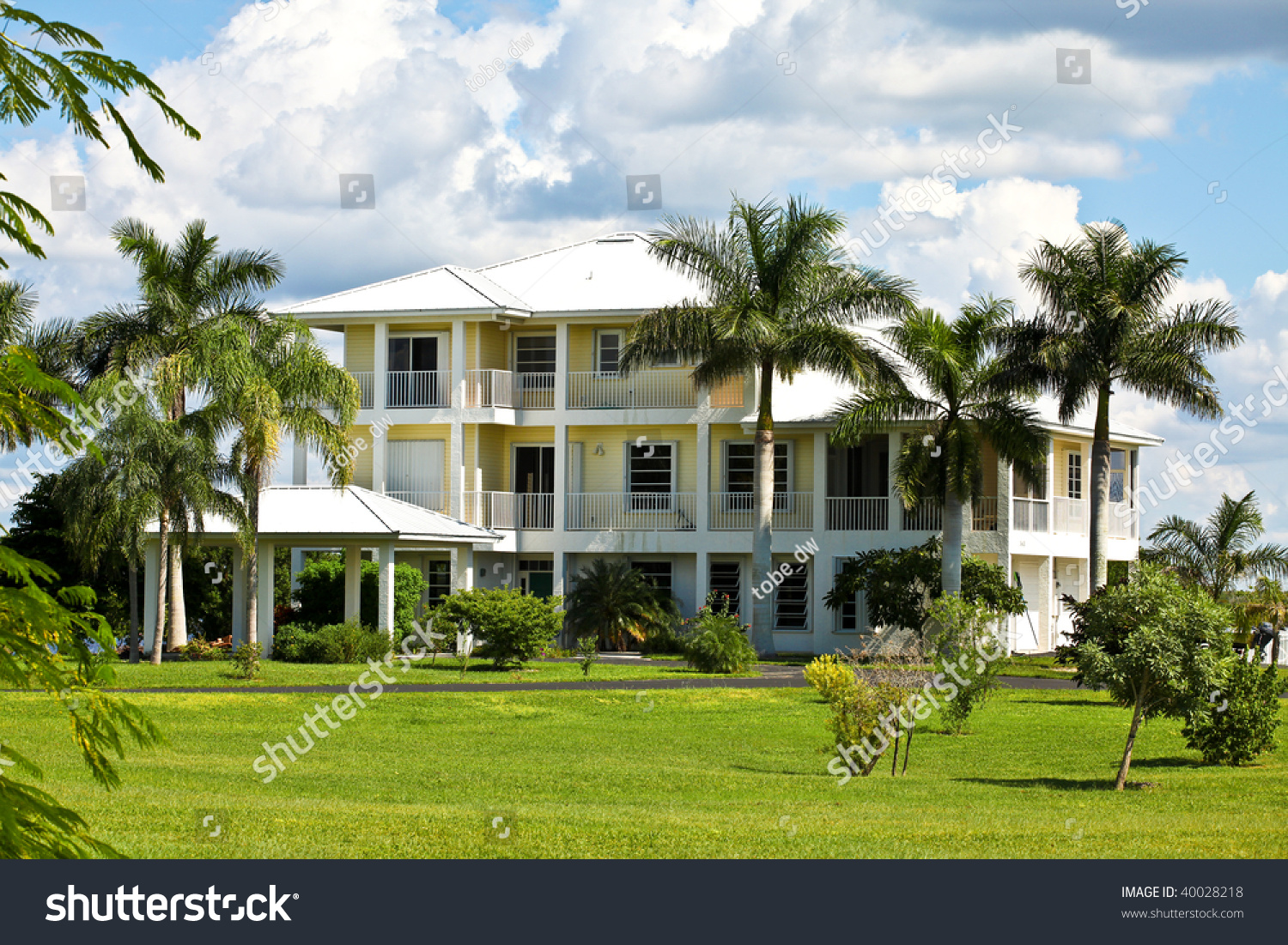 Large tropical beach house in florida stock photo 40028218 for Large beach house