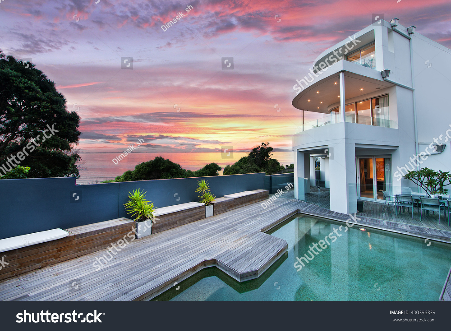 Beautiful House Swimming Pool Yard Stock Photo 400396339 Shutterstock
