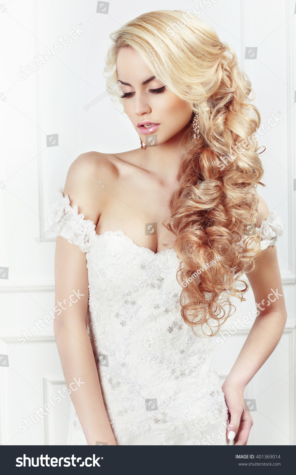 Wedding Hairstyle Portrait Bride Long Blonde Stock Photo 401369014 ...