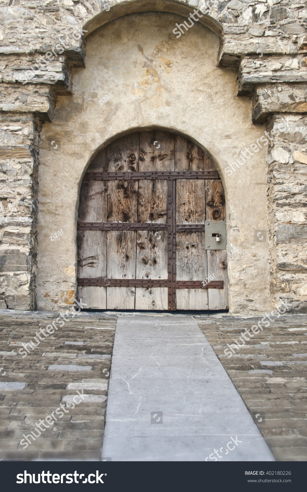 Old Wooden Castle Doors Stock Photo 402180226 - Shutterstock