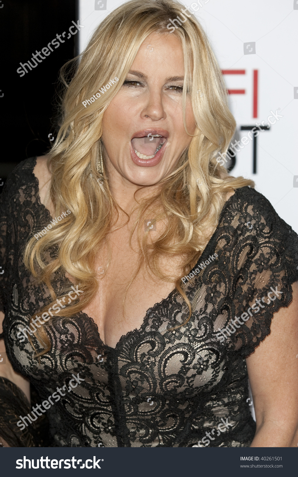 Jennifer Coolidge Nude Photos 82