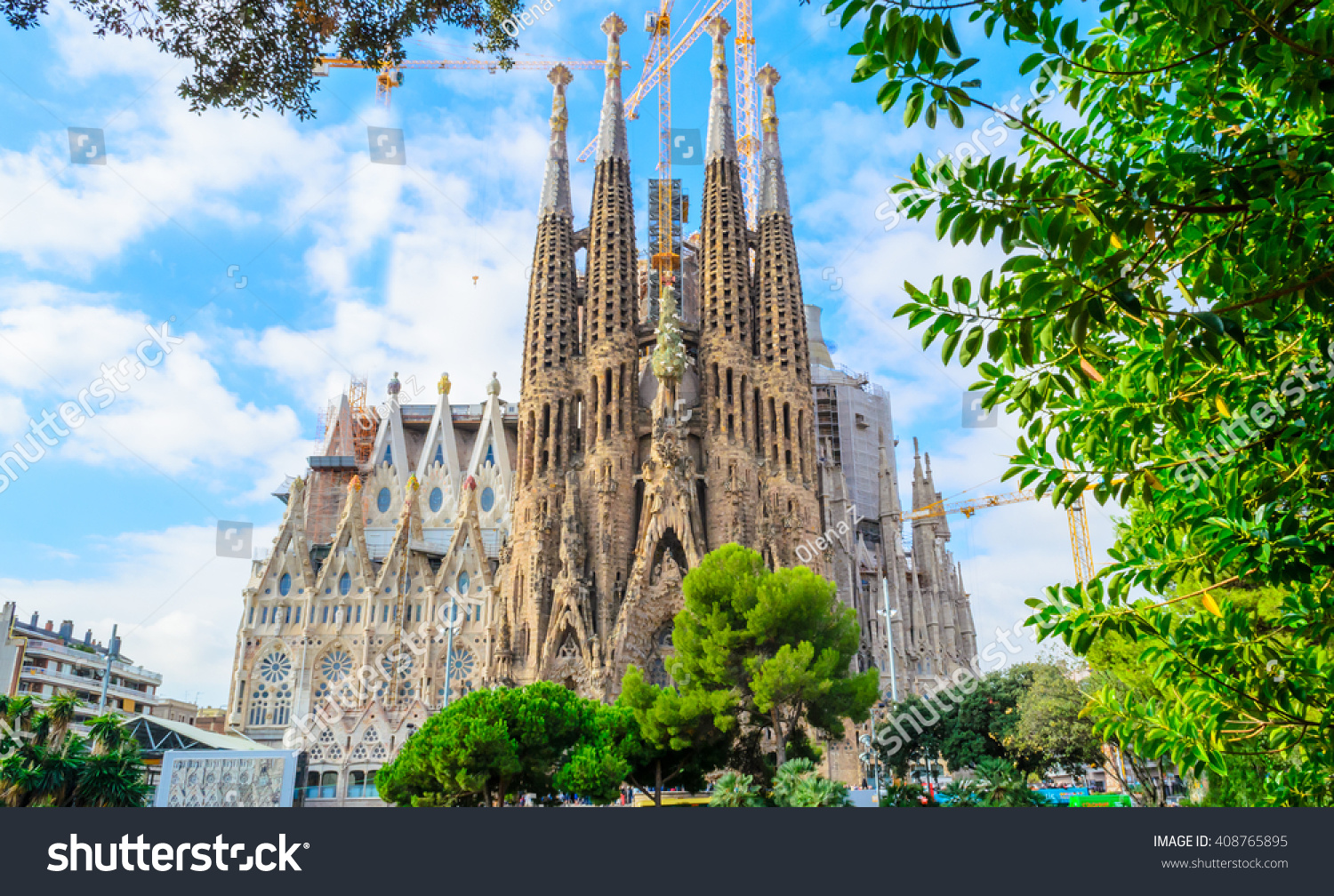barcelona spain 29092015 la sagrada familia stock photo. Black Bedroom Furniture Sets. Home Design Ideas