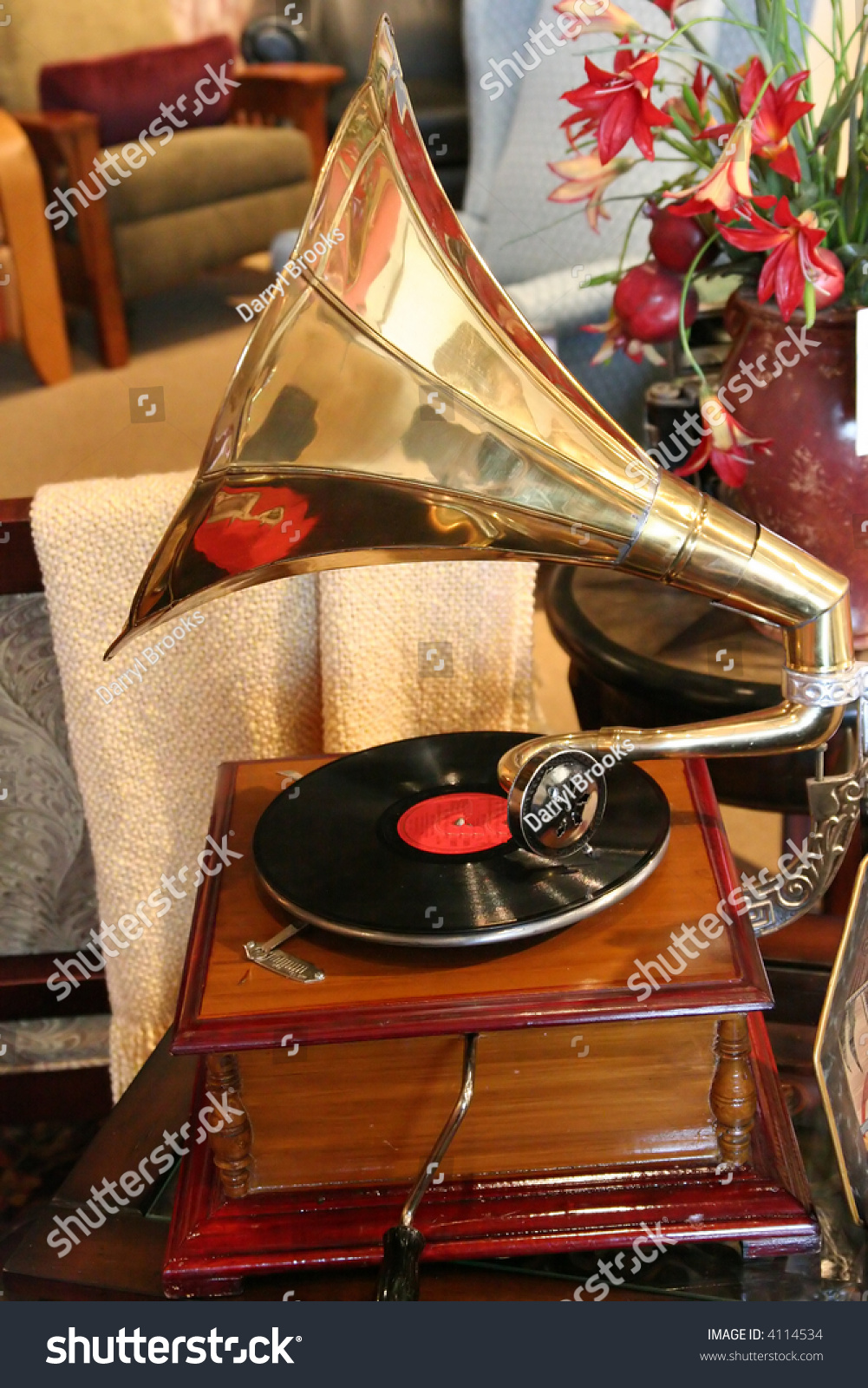 An Old Vintage Hand Crank Record Player Stock Photo