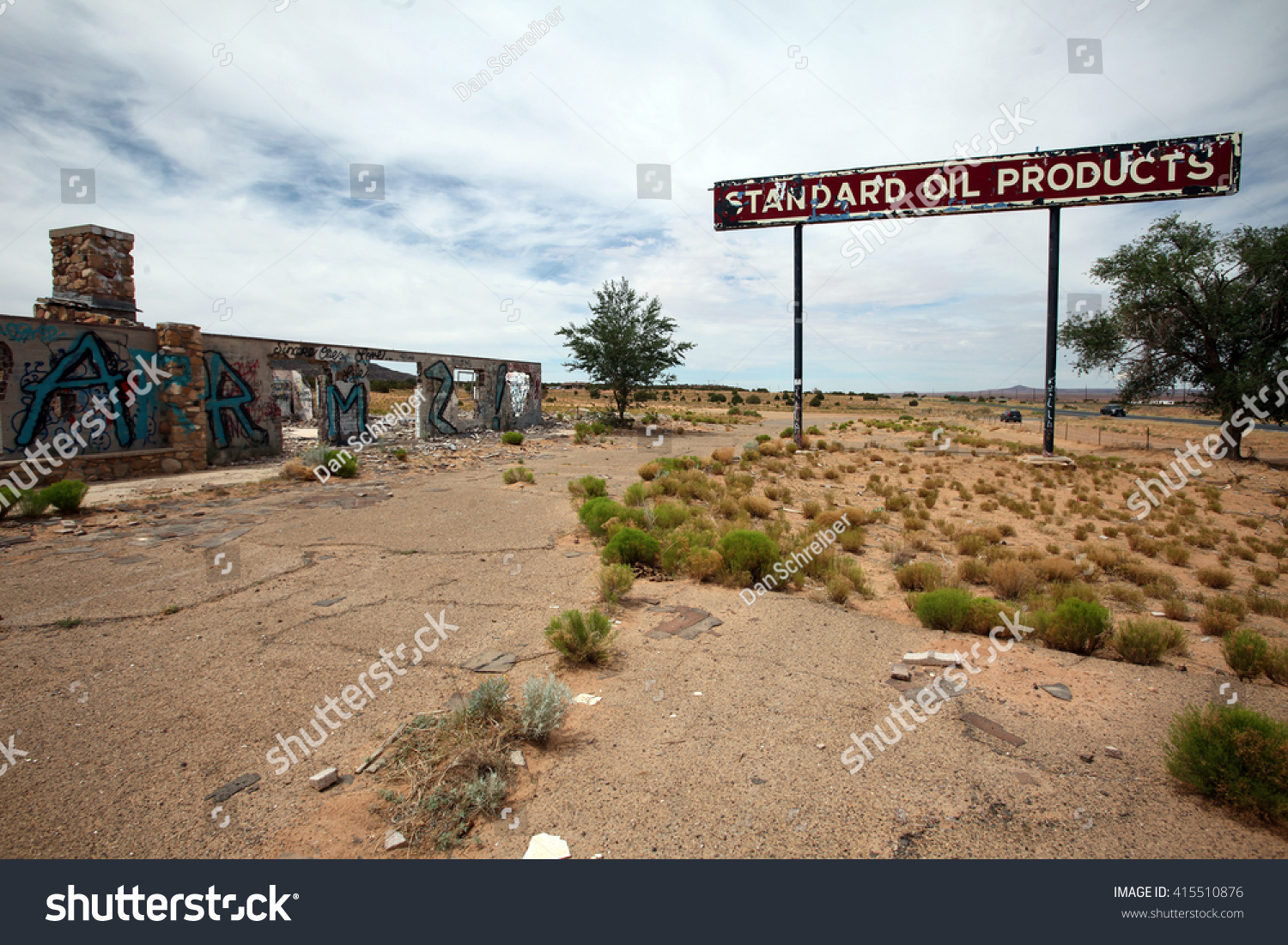Remote Abandoned Gas Station Crumbles Utah Stock Photo Edit Now 415510876
