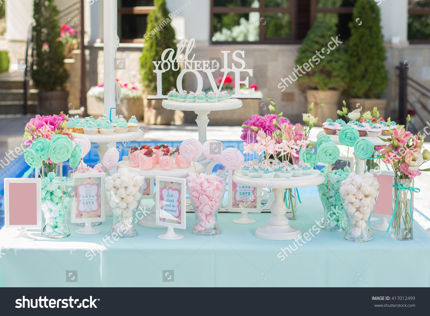 Candy Bar Delicious sweet buffet with cupcakes Sweet holiday buffet with cupcakes and other desserts