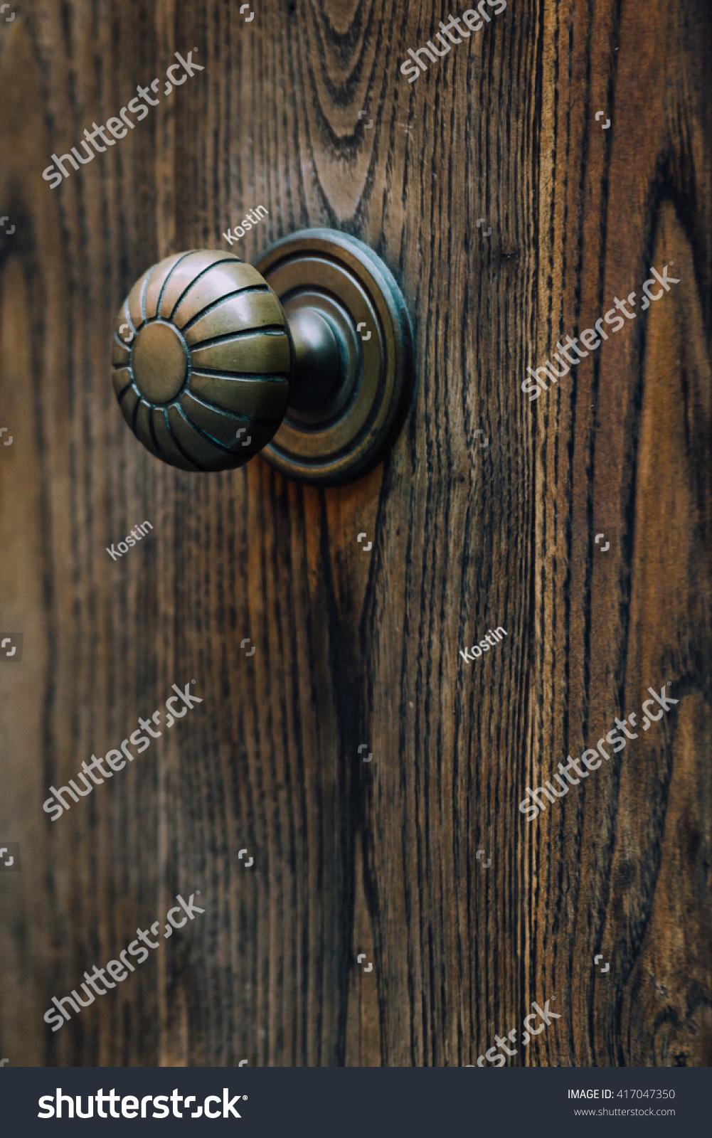 Vintage Door Knob On Old Wooden Stock Photo 417047350 - Shutterstock