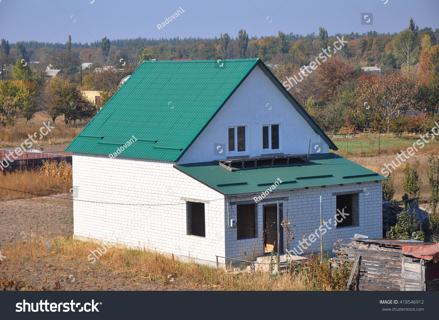 Building new white bricks country house with green metal roof with roof protection from snow board & Building New White Bricks Country House Stock Photo 418546912 ... memphite.com
