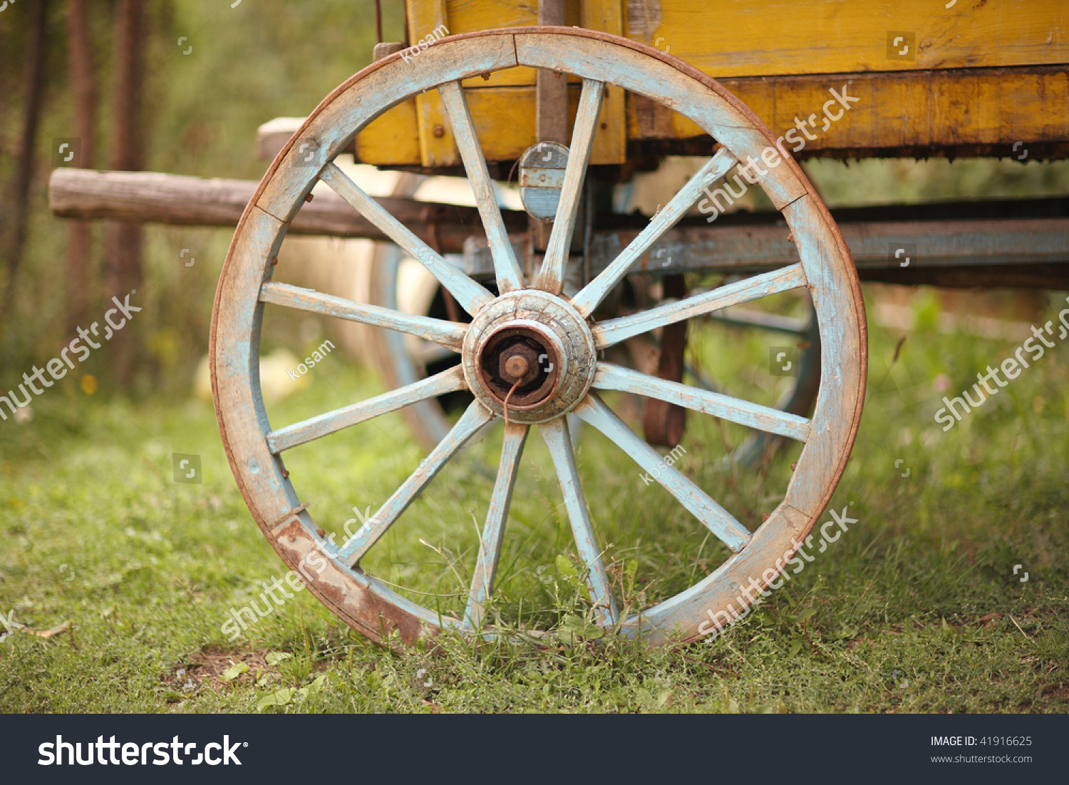 Old Wooden Cart Wheel Stock Photo 41916625 : Shutterstock