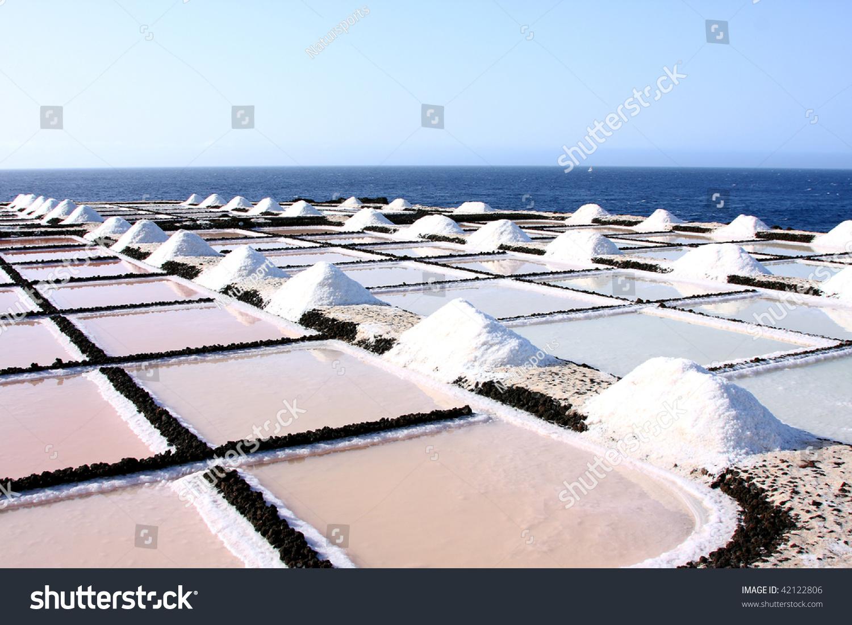 Salt evaporation pond of fuencaliente la palma spain for Design of evaporation pond