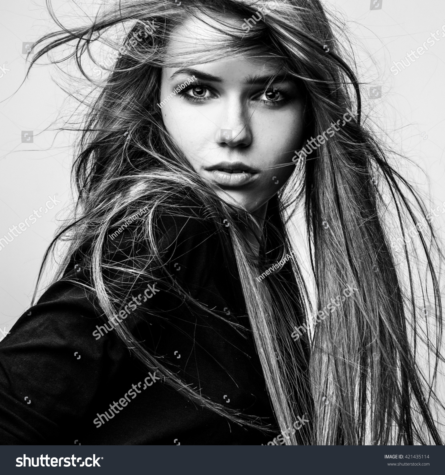 Black white portrait of beautiful young girl