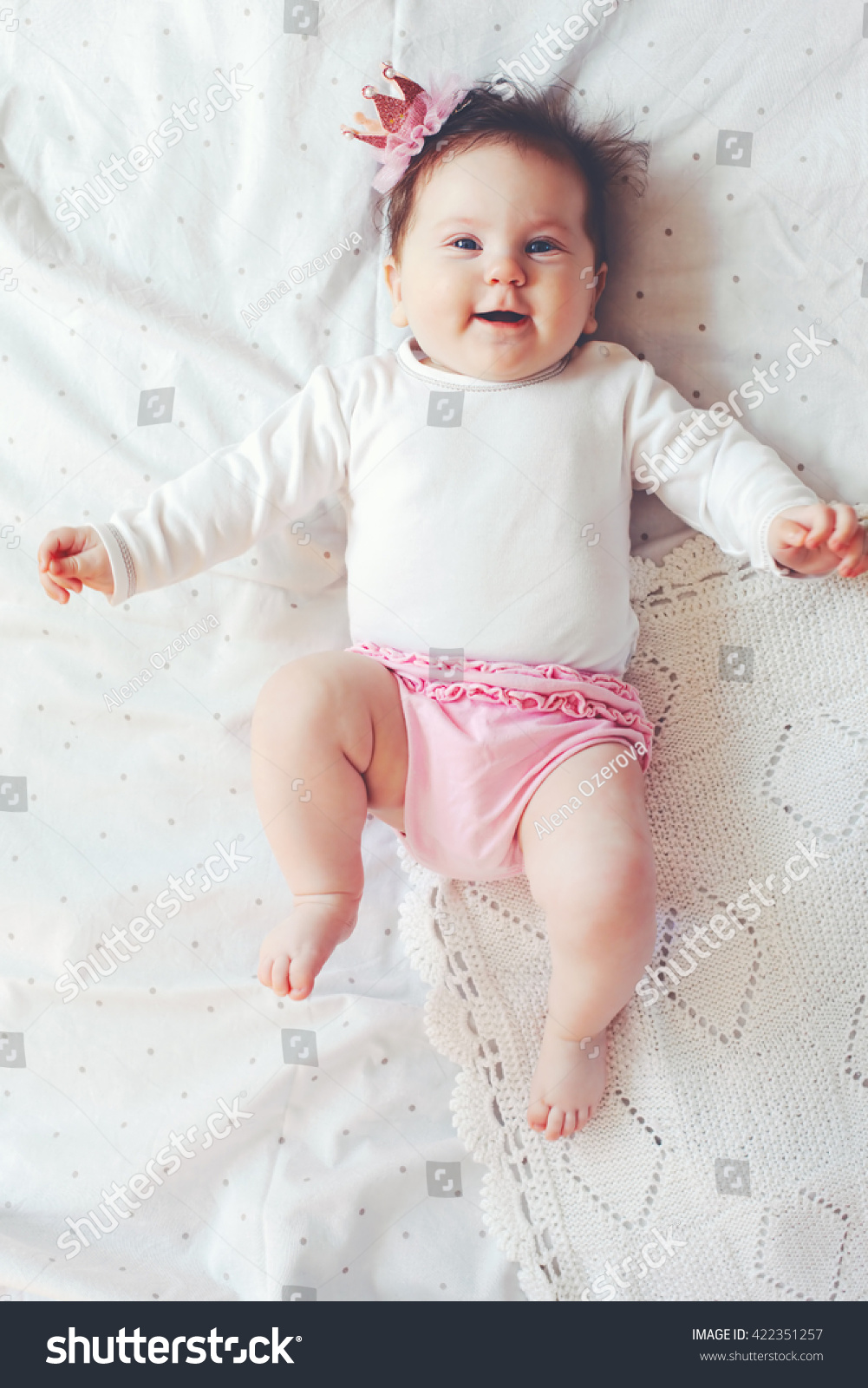 portrait 4 month cute baby girl stock photo (edit now)- shutterstock