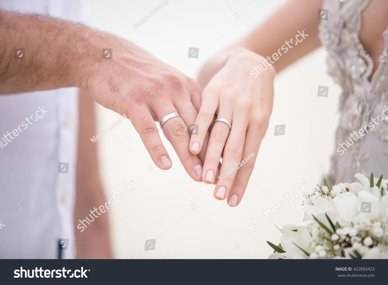 Two Hands Honeymooners Rings Wedding Ceremony Stock Photo 422893423 ...