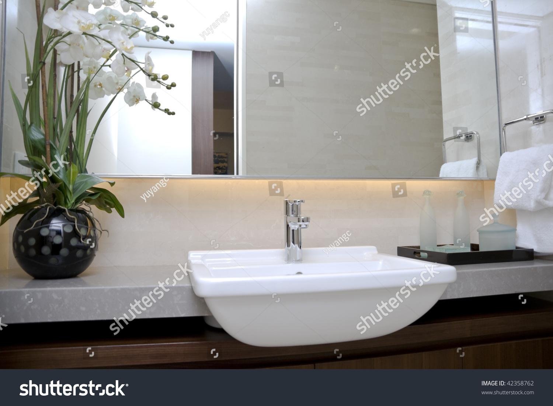 Modern Bathroom Sinks Mirror Stock Photo (Royalty Free) 42358762 ...