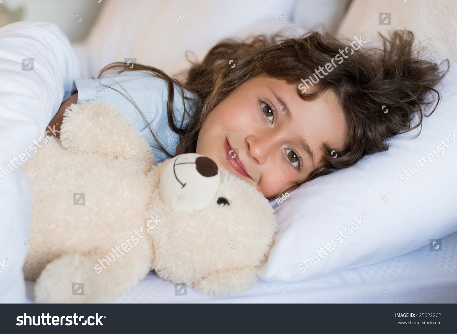 the childhood teddy bear under my bed Just why the teddy bear is the most haunted childhood relic is something lanier   little bear was going to be in my home, he wasn't going to sit on my bed.
