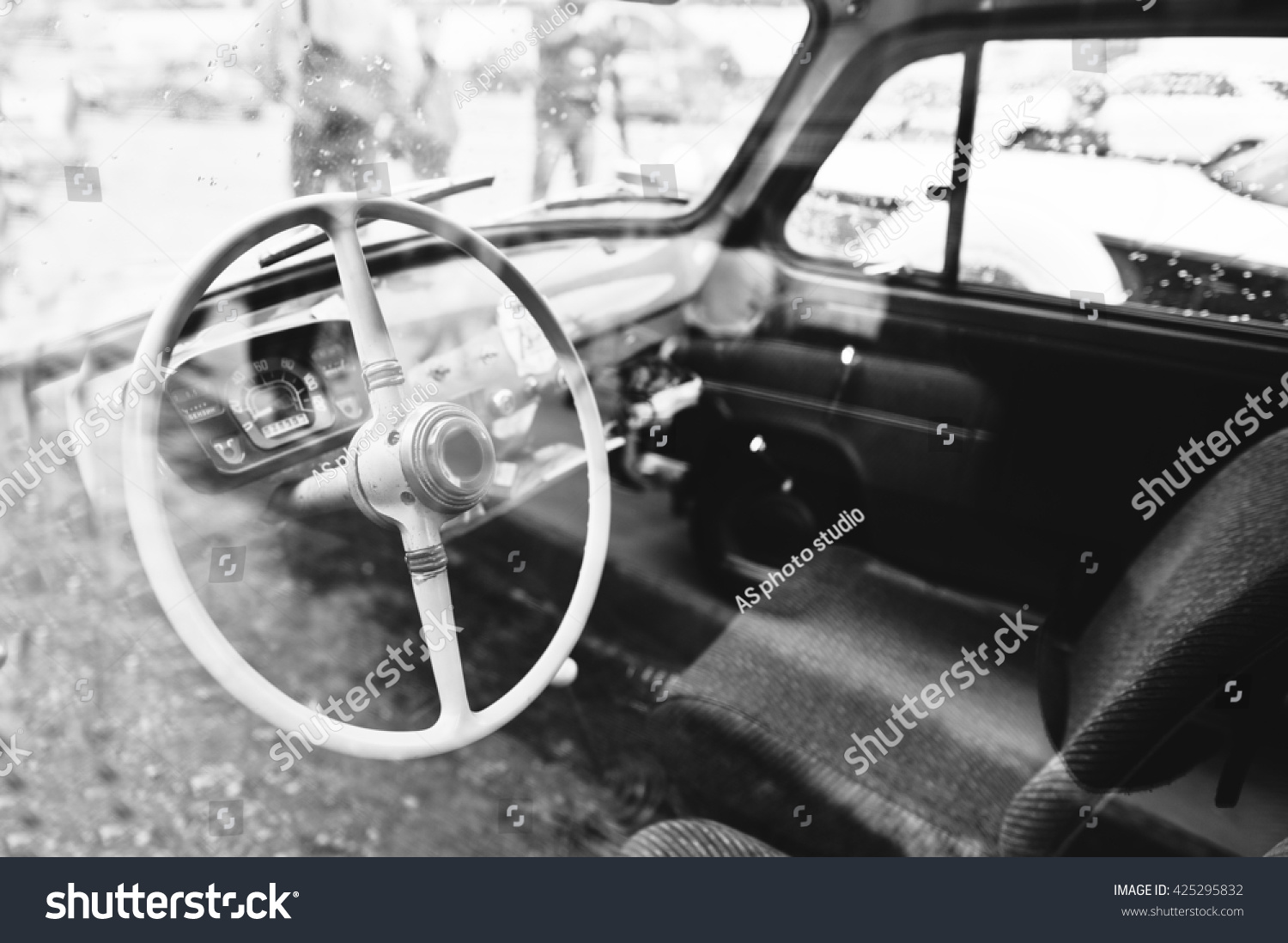 interior steering wheel on old vintage stock photo 425295832 shutterstock. Black Bedroom Furniture Sets. Home Design Ideas