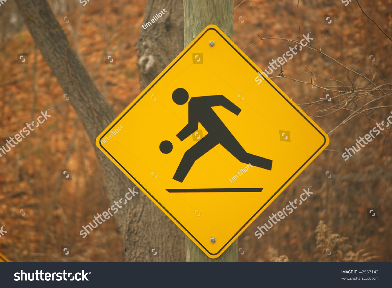 Road Sign Warning Of Playground Ahead Stock Photo 42567142 ...