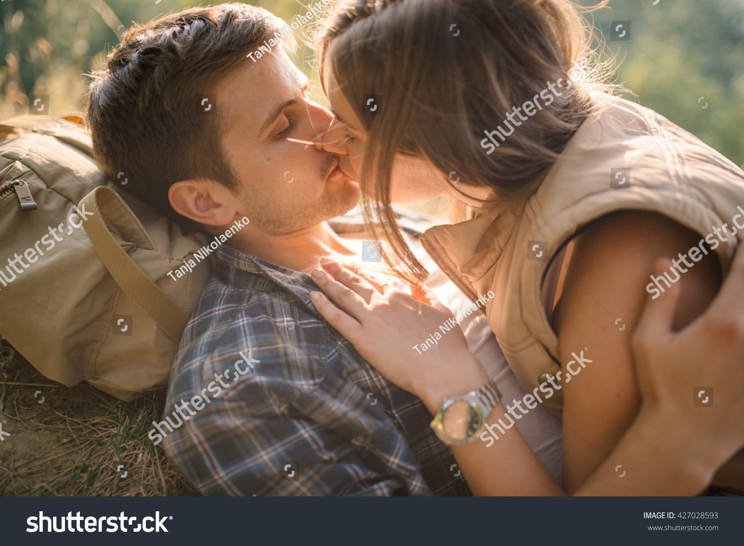 how to kiss passionately your boyfriend