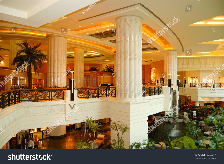 Reception lobby area luxury hotel dubai stock photo for Design luxushotel dubai