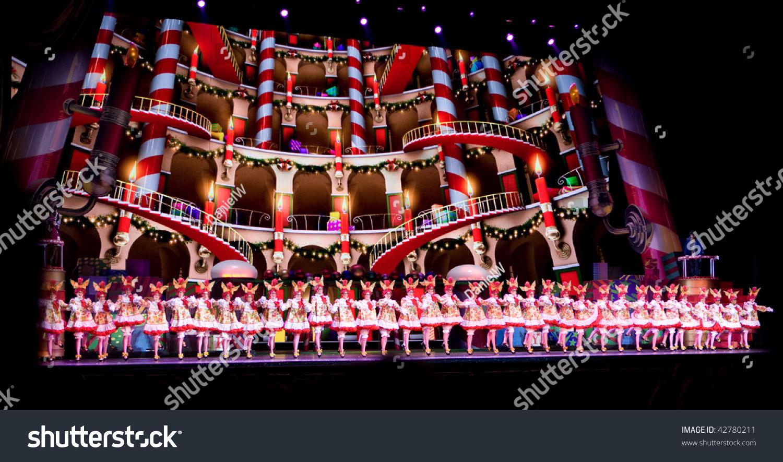 NEW YORK DEC 10 Rockettes Dance Stockfoto (Jetzt bearbeiten ...