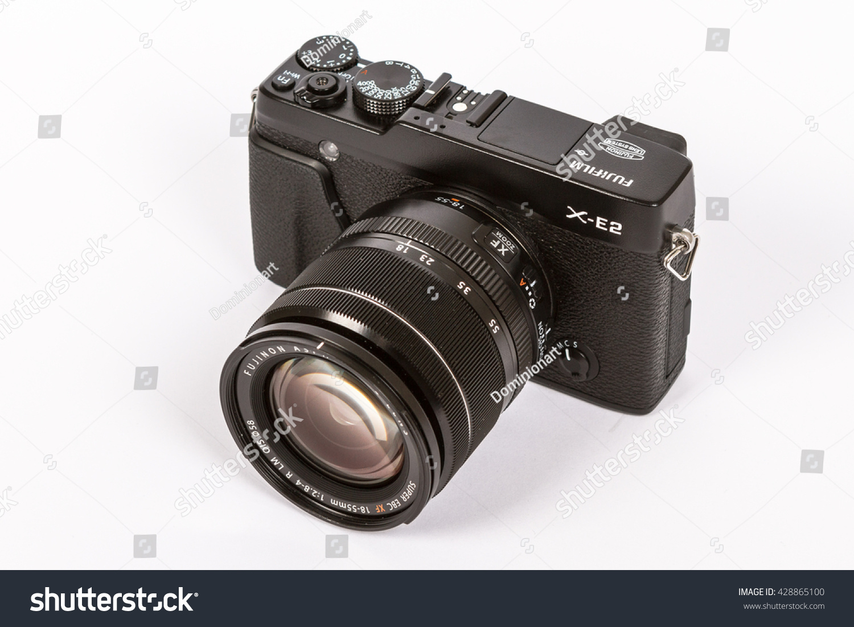Zagreb Croatia April 302015 Photo Of Fujifilm X E2 Mirrorless Fujinon Xf18 55mm F28 4 R Lm Ois Id 428865100