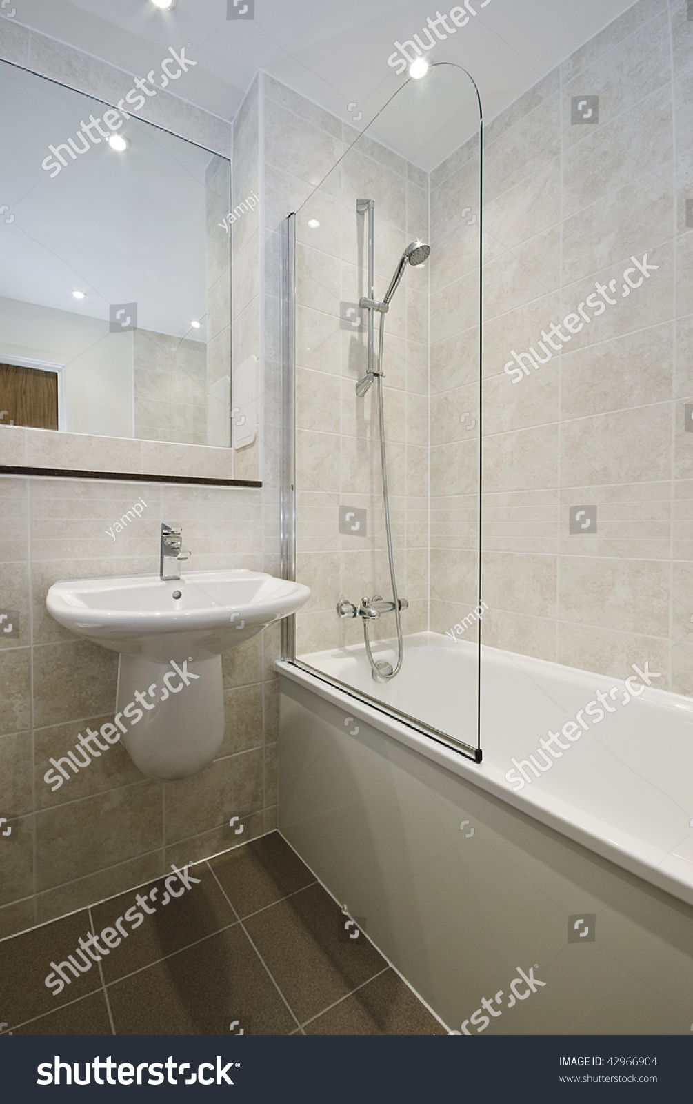 Modern Bathroom In White With Floor To Ceiling Ceramic Tiles Ez Canvas