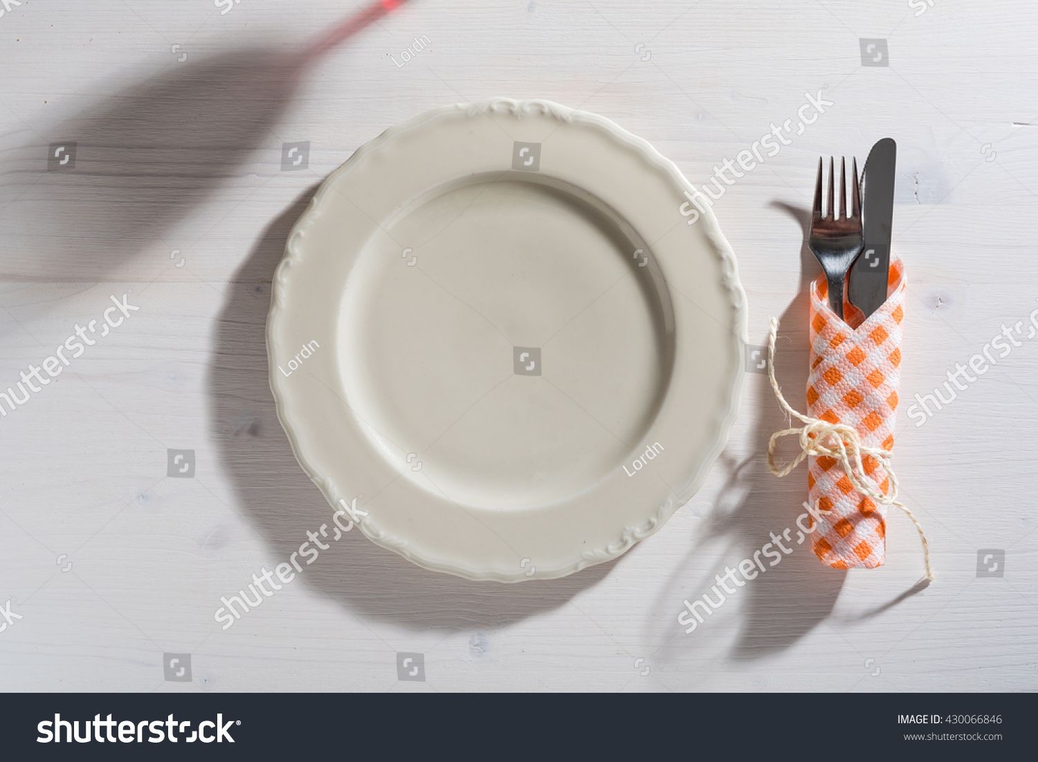 Restaurant table setup - Mediterranean Restaurant Table Setup With Empty Plate And Cutlery
