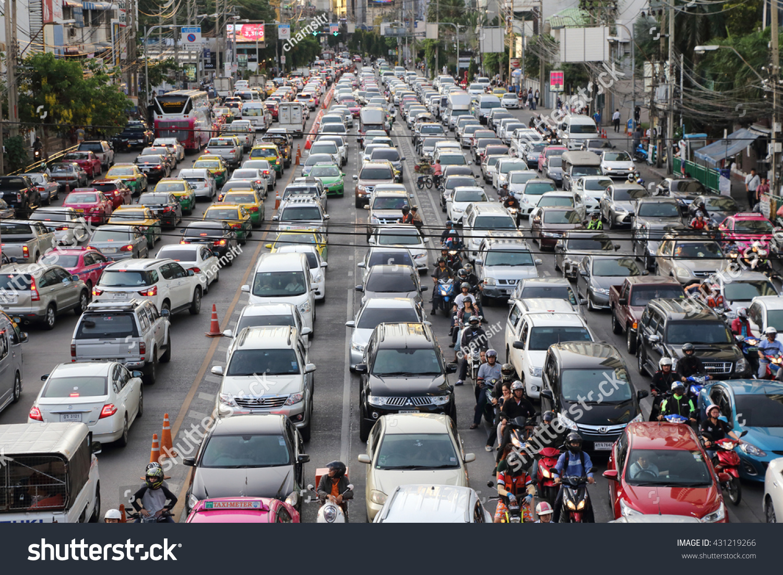 PHOTO: Colorful Traffic Jam in Bangkok