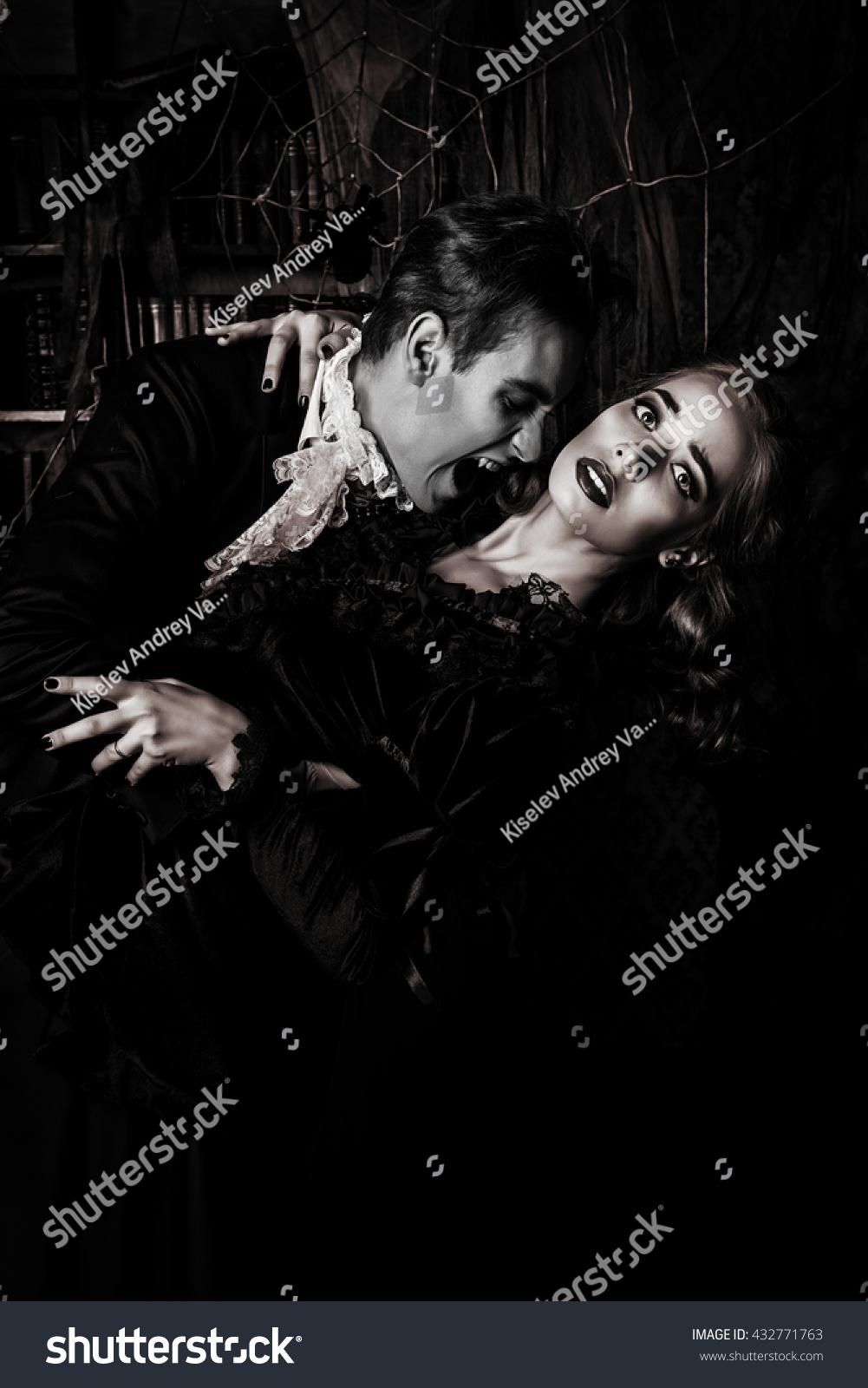 vampires biting people - photo #35