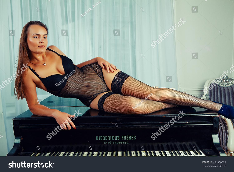 topless-adult-fitnesss-models-female-innocent-dick-girls-priya