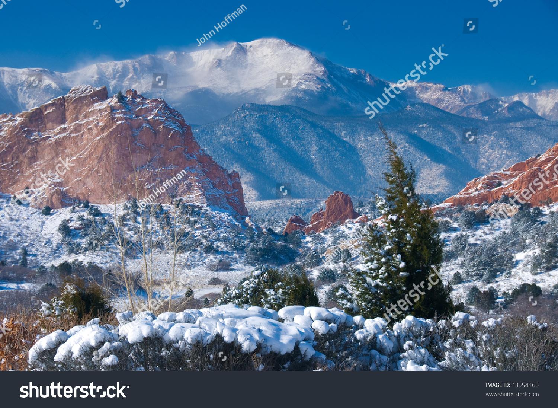 Pikes Peak Soaring Over Garden Gods Stock Photo 43554466 Shutterstock