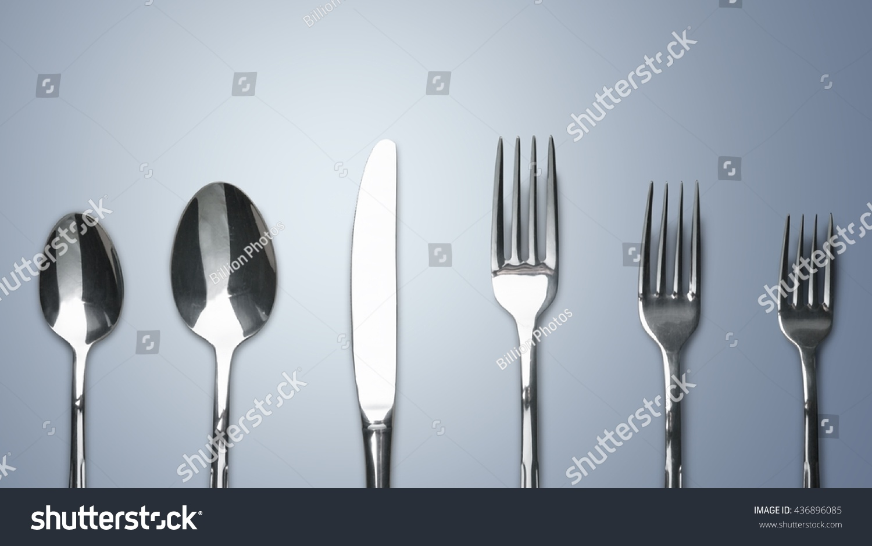Silver kitchen utensil set for serving cake | EZ Canvas