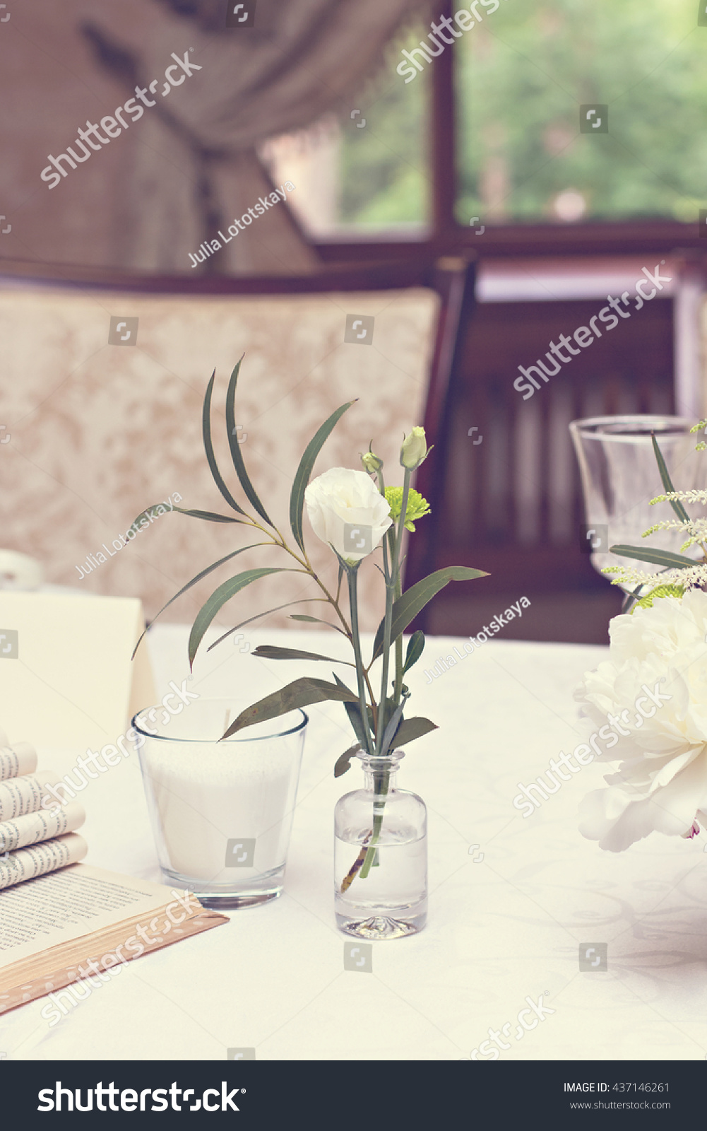Bouquet Of White Flowers Wedding Table Decor Festive Table Setting