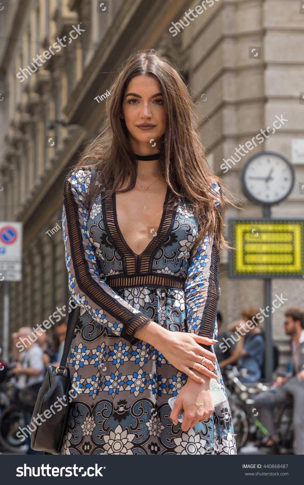 Milan Italy June 19 Fashionable Woman Stock Photo ...